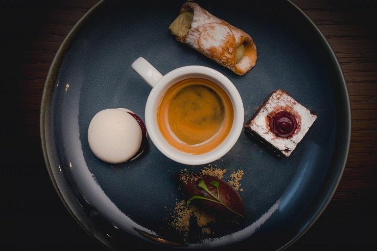 Coffee and dessert LR