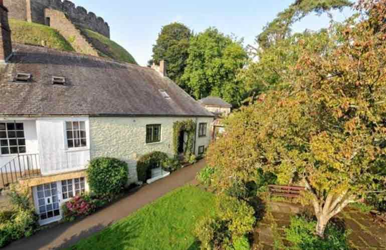 Toad Hall Cottages Totnes 1 copy
