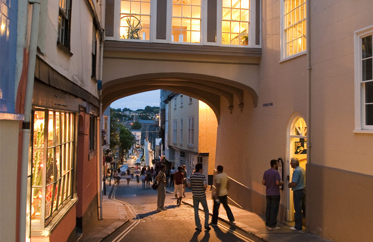 english-in-totnes-a
