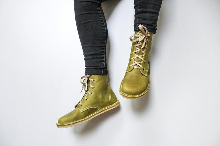 Barefoot Derby Boots web