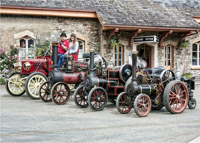 more traction engines outside the station
